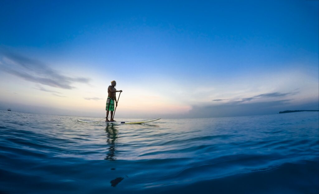 "Stand up paddle boarding embraces the Koocanusa ""chill"""